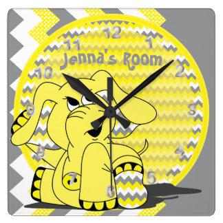 Reloj Cuadrado Elefante tonto amarillo divertido de Chevron