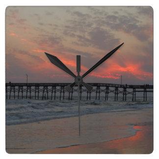 Reloj Cuadrado Embarcadero y puesta del sol - isla del roble, NC