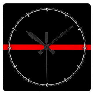 Reloj Cuadrado La línea gráfico roja fina simbólica en a