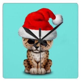 Reloj Cuadrado Leopardo lindo Cub que lleva un gorra de Santa