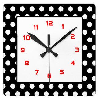 Reloj Cuadrado Los lunares Ajustaron negro, blanco y rojo