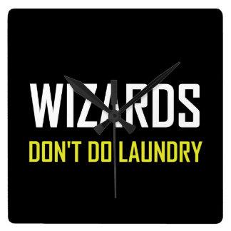 Reloj Cuadrado Los magos no hacen el lavadero
