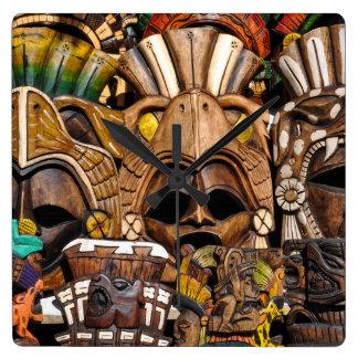 Reloj Cuadrado Máscaras de madera mayas en México