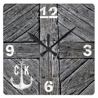 Reloj Cuadrado Monograma náutico del ancla de madera rústica del
