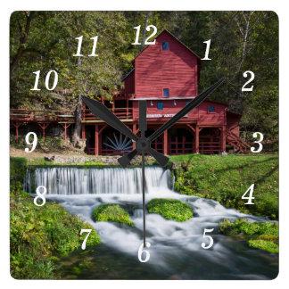 Reloj Cuadrado Paisaje del molino de agua de Hodgson