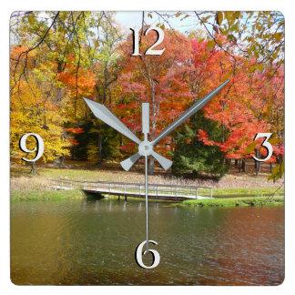 Reloj Cuadrado Paisaje del otoño del puente III de la caída de