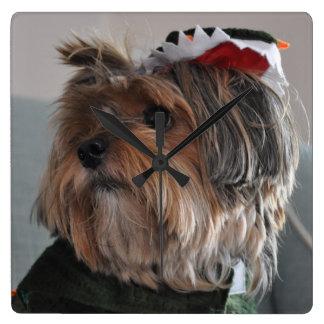 Reloj Cuadrado Perro de perrito lindo de Yorkshire Terrier