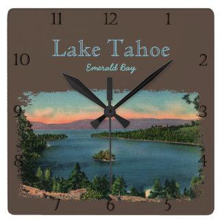 Reloj Cuadrado Personalizado esmeralda del lago Tahoe de la bahía