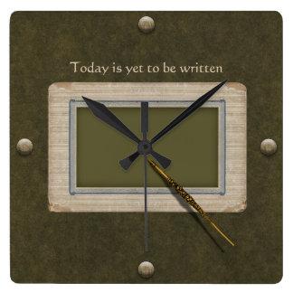 Reloj Cuadrado Pluma antigua lista para escribir la historia de