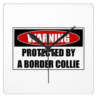 Reloj Cuadrado Protegido por un border collie