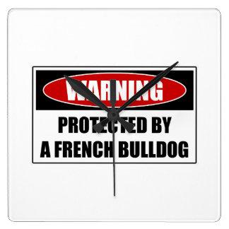 Reloj Cuadrado Protegido por un dogo francés