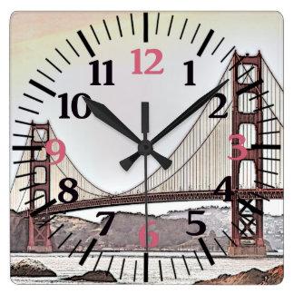 Reloj Cuadrado Puente Golden Gate - San Francisco, CA (rosa)