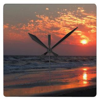 Reloj Cuadrado Puesta del sol del océano - isla del roble, NC