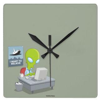 Reloj Cuadrado Quiero creer