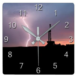 Reloj Cuadrado Salida del sol de la púrpura del relámpago del