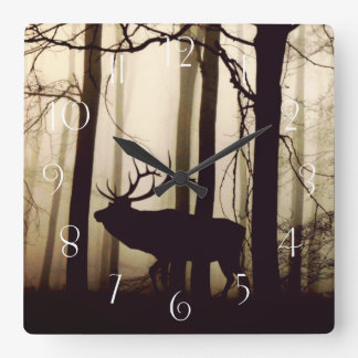 Reloj Cuadrado Silueta imponente del macho