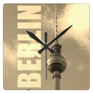 Reloj Cuadrado Torre 002.F.002.3 de BERLÍN TV