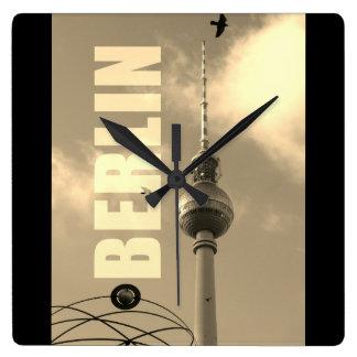 Reloj Cuadrado Torre 02.F.2.4 de BERLÍN TV
