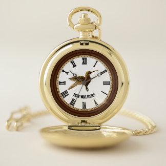 Reloj De Bolsillo Colibrí con las alas estiradas y los engranajes