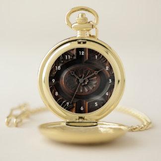 Reloj de bolsillo de talla de madera de Brown