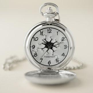 Reloj De Bolsillo Fractal agrietado de la mirada en blanco y negro