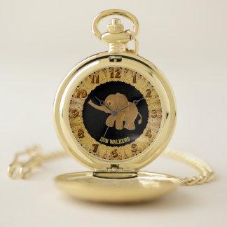 Reloj De Bolsillo Monograma del diseño del elefante del bebé del oro