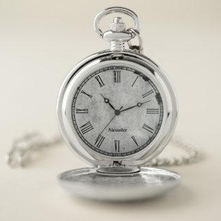 Reloj De Bolsillo Personalice:  Números romanos del vintage rústico