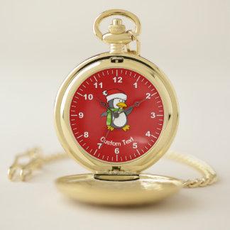 Reloj De Bolsillo Pingüino del navidad que camina en nieve