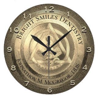 Reloj de encargo del dentista del oro