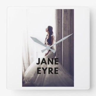 Reloj de Jane Eyre en la pared
