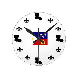 Reloj de la bandera de Luisiana Cajun de la flor