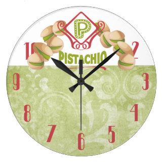 Reloj de la cocina de las nueces de pistacho del
