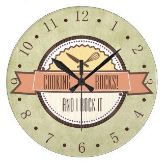 Reloj de la cocina del emblema de los utensilios