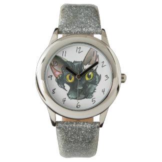 Reloj de la correa del brillo de la plata del gato