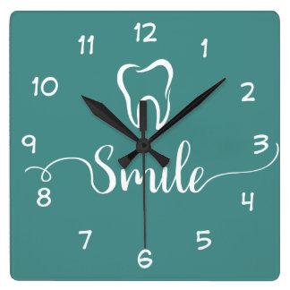 Reloj de la oficina del dentista