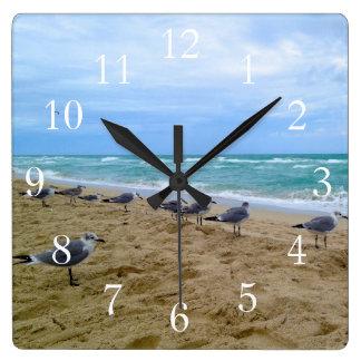 Reloj de la playa de la gaviota