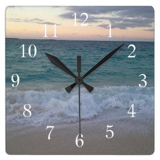 Reloj de la puesta del sol de Bahamas