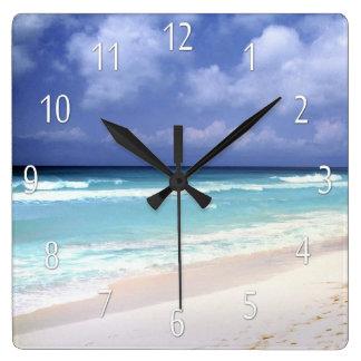 Reloj de la vista al mar de la vida de la playa