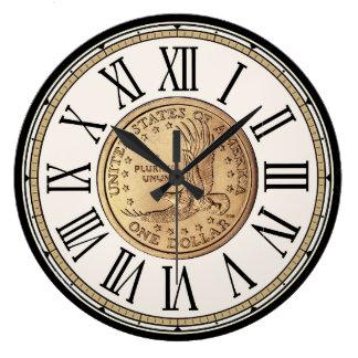 Reloj de los números romanos de la moneda del