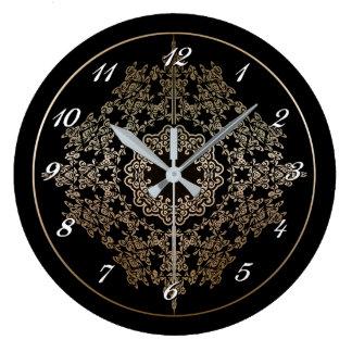 Reloj de pared afiligranado del adorno del oro