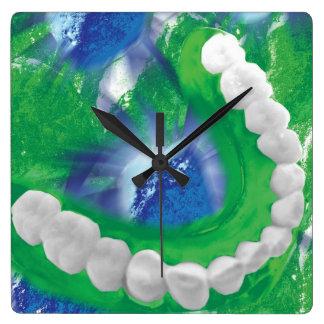 Reloj de pared blanco del Orthodontist del