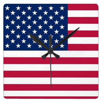 Reloj de pared con la bandera de los E.E.U.U.