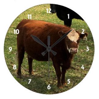Reloj de pared de la vaca de Brown