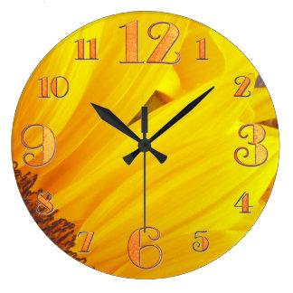 Reloj de pared de los pétalos del girasol