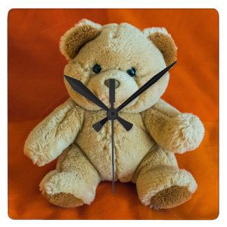 Reloj de pared del cuadrado del oso de peluche