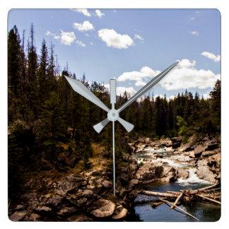Reloj de pared del paisaje del río de Montana