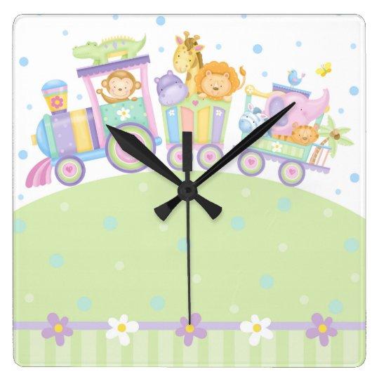 Reloj de pared del tren del bebé