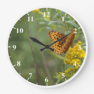 Reloj de pared grande redondo de la mariposa