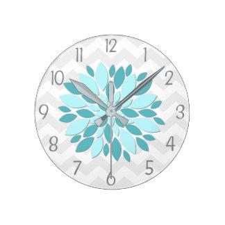 Reloj de pared gris del cuarto de niños de la flor
