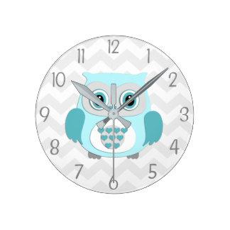Reloj de pared gris del cuarto de niños del búho
